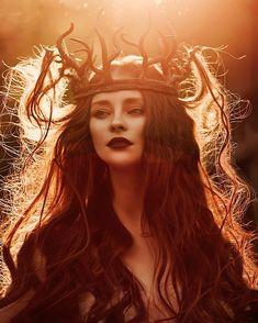 Beautiful Feminine Photo Portraits By The Russian Fashion Photographer Svetlana Belyaeva Fantasy Queen, Fantasy Art, Arte Grunge, Poses References, Witch Aesthetic, Crown Aesthetic, Nature Aesthetic, Russian Fashion, Dark Beauty