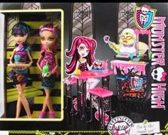 Monster High Creepteria WITH Cleo and Howleen Dolls PLAYSET NEW play set