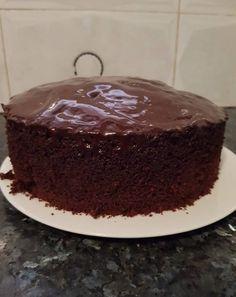 עוגת שוקולד גבוהה ואוורירית - מתכונים מתוקים Apple Dessert Recipes, Cookie Desserts, Cookie Recipes, Kolache Recipe Czech, Cake Receipe, Chocolate Deserts, Chocolate Cake, Food Snapchat, Yummy Cakes