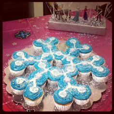 FROZEN Cupcake birthday cake!