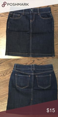 Old navy jean skirt Old navy jean skirt. Small Slit in the back. 68% cotton. Size 2. Old Navy Skirts Midi