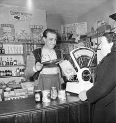 Victorian style grocers shop interior with weighing scales, Lancashire 1951 Old Photographs, Old Photos, Healthy People 2020 Goals, British History, London History, Back In The Day, Vintage Shops, Vintage London, Childhood Memories