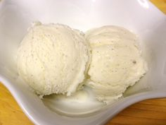 A tried and true recipe for your 1 1/2 quart ice cream maker - uses vanilla extract AND vanilla bean (no eggs)