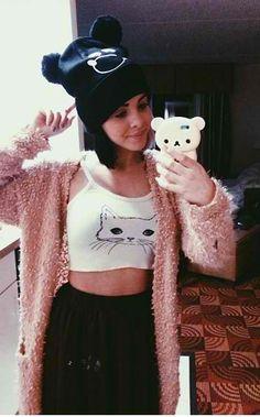 Melanie Martinez, I like her hat <3