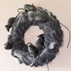 Rat's Nest Halloween Wreath from @Allison -- Dream a Little Bigger. #DGHalloween
