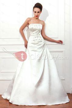 Aラインストラップレス床まで届く長さチャペルアップリケ大きいサイズウェディングドレス