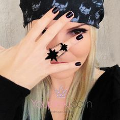 2 STARS CODE:1.9.63. Handmade lasercut ring with two stars made of plexiglass, sizes:2,5x2,8x2,5-2x1,8x2,5cm.