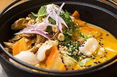 O pato ao curry vermelho é uma receita apimentada na medida e vem acompanhado de arroz de jasmim no Tian (Foto: Felipe Gombossy / ÉPOCA SP)