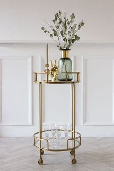 An iconic style from the Gatsby era, this drinks trolley is a must-have for your home. Store bottles & glasses & move around on wheels if you need. Moving Furniture, Dining Room Furniture, Furniture Decor, Drinks Trolley, Bar Trolley, Modern Home Bar, Vintage Bar Carts, Rockett St George, Home Bar Decor