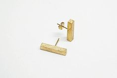 18k Solid Gold Staple Earrings, Gold Line Stud Earrings, Minimalist Post Earrings for Women, Geometric Stud Earring, Gold Bar Earrings Studs, Hella Ganor
