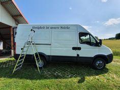 """In diesem Beitrag beschreibe und zeige ich dir, inwiefern der Spruch """"Lässigkeit ist unsere Stärke"""" das Projekt Abenteuermobilausbau ganz gut beschreibt. Van, Vehicles, Adventure, Vans, Cars, Vehicle"""
