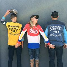 Signpainting inspired motifs for Deus Ex Machina on authentic MotoX jerseys. Hand-illustrated artwork by Ornamental Conifer.