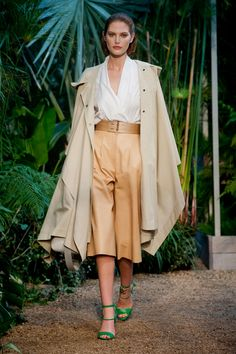 Défile Hermès Prêt-à-porter Printemps-été 2014 - Look 27