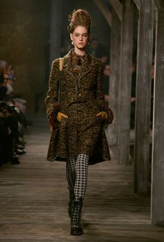 Chanel Pre-Fall 2013 the tweed in this is lovely
