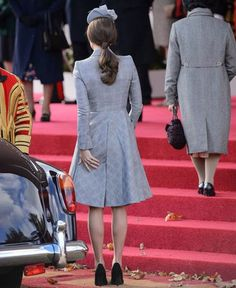 Pregnant Kate Middleton Stuns #KateMiddleton #royal duty to make a return visit to the #President of the State of Singapore, playing a leading role. This is his first appearance after the announcement of her second #pregnancy