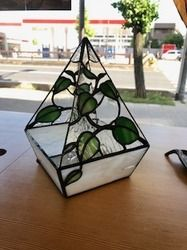 Stained Glass Ornaments, Stained Glass Crafts, Stained Glass Designs, Stained Glass Patterns, Stained Glass Windows, Fused Glass, Tea Candle Holders, Tea Candles, Plant Holders