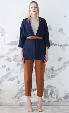 Navy wide-ribbed knit cardigan with a wide length kimono sleeve. Tan belt is included to be worn high on waist , or wear open as layering cardi. Pair with slim pants or trousers as shown. Short Bridesmaid Dresses, Short Dresses, Tan Belt, Wedding Hairstyles With Veil, Navy Sweaters, Cardigans, Kimono Cardigan, Slim Pants, Sweater Outfits