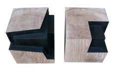 """Alban LANORE - """"Petit cube"""" / chêne / 17x17cm."""