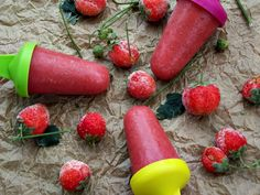 Inghetata de capsuni pe bat - CAIETUL CU RETETE Watermelon, Deserts, Strawberry, Fruit, Food, Essen, Postres, Strawberry Fruit, Meals