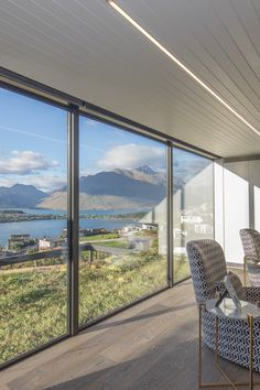 We are proud to announce that our HARO Oak Tobacco Grey flooring is featured in the winning 2018 TIDA New Zealand Architect New Home of the Year. Congratulations to Gary Todd Architecture for this outstanding achievement and designing this stunning home. Year: 2018 Area: 265m2 Product: Oak Tobacco Grey Professionals involved: Gary Todd Architecture Photography: Gary Todd Architecture
