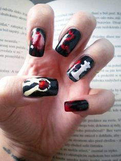 Who's ready for The Twilight Saga: Breaking Dawn Part Beautylish Beauty Tereska H. sure is with her Twilight inspired nails! Funky Nails, Cute Nails, Pretty Nails, Twilight Saga Series, Twilight Book, Twilight Story, Twilight Quotes, Twilight Pictures, Girls Nails
