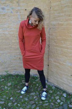 Känguru Kleid JANE dunkles apricot Kragen  von Jaqueen auf DaWanda.com