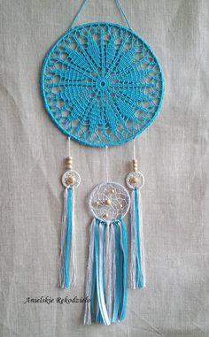 Crochet Dreamcatcher Pattern, Crochet Keychain Pattern, Crochet Stitches, Crochet Patterns, Black Dream Catcher, Crochet Wall Hangings, Crochet World, Dreamcatchers, Native American Art