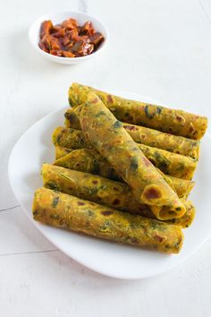methi+thepla+recipe+with+video+and+step+by+step+photos+- methi+thepla+are flatbreads+made+from+fresh+fenugreek+leaves,+whole+wheat+flour+and+gram+flour+can+be+munched+anytime+of+the+day.++++methi+thepla are+light+as+well Methi Recipes, Chapati Recipes, Gujarati Recipes, Gujarati Cuisine, Gujarati Food, Breakfast Recipes, Snack Recipes, Cooking Recipes, Nutritious Breakfast