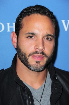 DANIEL SUNJATA Sometimes it must feel pretty awkward for Daniel Sunjata to always be cast in Hispanic roles…mainly because he is not Hispanic. Best known for his role on Rescue Me, Daniel is a mix of African American, Irish and German descent. Daniel Sunjata, Gorgeous Black Men, Beautiful Men, Beautiful People, Chocolate Men, White Chocolate, Black Actors, Men In Uniform, My Soulmate