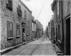 Little Champlain Street, Quebec City, QC, 1916 by Musée McCord Museum, via… Samuel De Champlain, Le Petit Champlain, Old Quebec, Quebec City, Great Photos, Old Photos, Interesting Photos, Black And White Building, Chute Montmorency