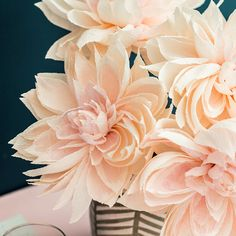The Dahlia Paper Flower Guide