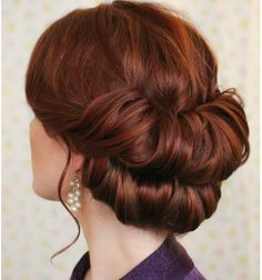 1920's Hair Do  http://www.freckled-fox.com/2013/12/holiday-hair-week-double-gibson.html