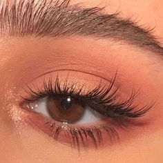 Elongated cat eye makeup inspiration thread shesfarout eyemakeupnatural elongated cat eye makeup inspiration thread shesfarout 25 wunderschne augen make up tutorials fr anfnger ab 2019 anfanger augen make upmorenas tutorials wunderschone Cat Eye Makeup, Natural Makeup Looks, Eye Makeup Tips, Skin Makeup, Makeup Inspo, Eyeshadow Makeup, Beauty Makeup, Eyeshadow Palette, Pink Eyeshadow