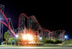 Awesome Roller Coaster. x2 At Six Flags Magic Moutain.