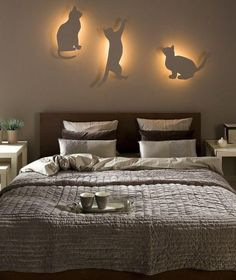 I would have these lights on my kittys bedroom wall.. That would be cool for them