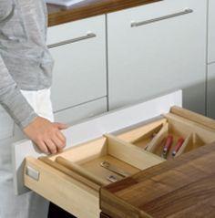 Como construir e montar gavetas  Saiba como fazer mais coisas em http://www.comofazer.org/casa-e-jardim/gavetas-como-construir-e-montar/