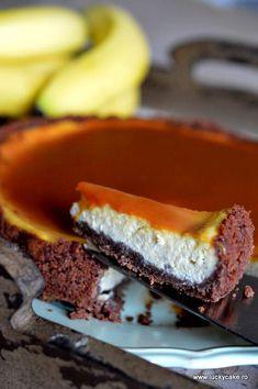 Cheesecake cu banane si sos caramel , un deliciu ce merita incercat . Banana Cheesecake, What To Cook, Cheesecakes, Caramel, Pie, Sweets, Cooking, Desserts, Food