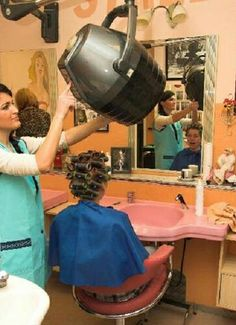 Now Gary the dryer might be hot but u will get used to it Salon Dryers, Sandy Hair, Hair Curlers Rollers, Wet Set, Updo Styles, Roller Set, Beauty Shop, Vintage Beauty, Hair Day