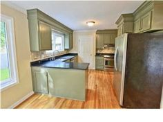 Green kitchen cabinet inspiration- LJKoike