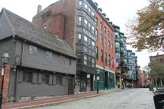 Paul Revere's house - Boston, Massachusetts, U. Boston Architecture, Places Ive Been, Places To Go, Paul Revere, Boston Massachusetts, Beautiful Places In The World, East Coast, New England, Flamingo