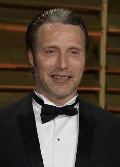 Mads Mikkelsen - Stars at the Vanity Fair Oscar Party
