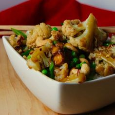 This sticky sauce is to die for and the crunchy cashews, roasted cauliflower, chewy, baked tofu and popping peas combine to make the perfect stir fry. Vegan Dinner Recipes, Vegan Dinners, Whole Food Recipes, Vegetarian Recipes, Vegan Blogs, Cashew Recipes, Vegetarian Casserole, Veggie Recipes, Lunch Recipes