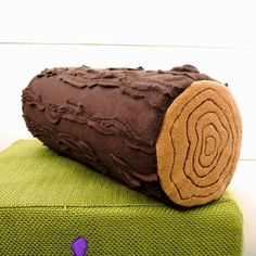 Woody The Log Pillow by emeraldbumblebee on Etsy Sewing Crafts, Sewing Projects, Diy Projects, Forest Bedroom, Diy Accessoires, Softies, Felt Crafts, Boy Room, Kids Bedroom