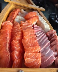 Learn Exactly how to cook Chinese Meat Sashimi Sushi, Salmon Sashimi, Sushi Recipes, Asian Recipes, Healthy Recipes, Think Food, Love Food, Dessert Chef, Japanese Food Sushi