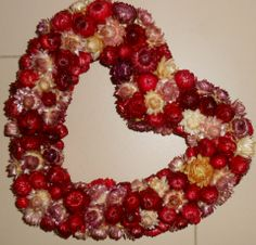 Ajtódísz vagy #Valentin napi dekoráció - kovacsanita, meska.hu #heart #valentin #decoration Ornament Wreath, Ornaments, Valentino, Hearts, Wreaths, Diy, Home Decor, Do It Yourself, Homemade Home Decor