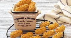 KASTENGEL bahan : 100 gr mentega wisman 100 gr margarin 50 gr keju edam (parut) 150 gr keju cheddar (parut) 170 gr terigu kunci biru (sangrai) 1 sdm maizena olesan : kuning telur taburan : keju cheddar parut cara