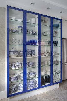 This could be my bar and china cabinet, without the lights and maybe add a mirror backing. Kitchen Room Design, Home Room Design, Modern Kitchen Design, Home Decor Kitchen, Interior Design Kitchen, Modern Interior Design, Interior Decorating, Washroom Design, Wardrobe Design Bedroom