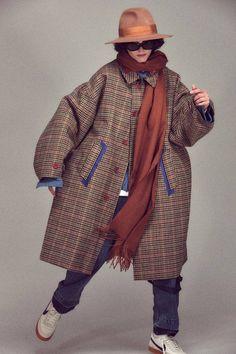 Pose Reference Photo, Denim Patchwork, Shearling Jacket, Men Looks, Streetwear Fashion, Color Pop, Fall Winter, Winter Jackets, Street Style