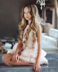 Kristina Pimenova y Jade Weber, hermosas modelos Fashion Kids, Young Fashion, Style Fashion, Young Models, Child Models, Teen Models, Cute Young Girl, Cute Girls, Pretty Girls