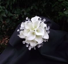 Awesome and showy wedding bouquet, bridal bouquet, florist made, brooch alternative, calla lilies, bling bouquet, wedding flowers on Etsy, $124.50